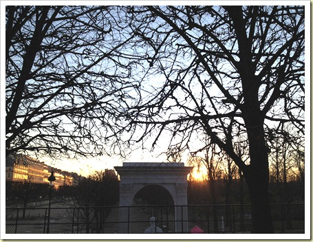 sunrise tuileries