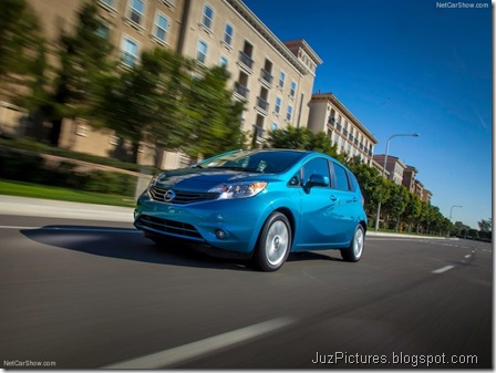 Nissan-Versa_Note_2014_800x600_wallpaper_11