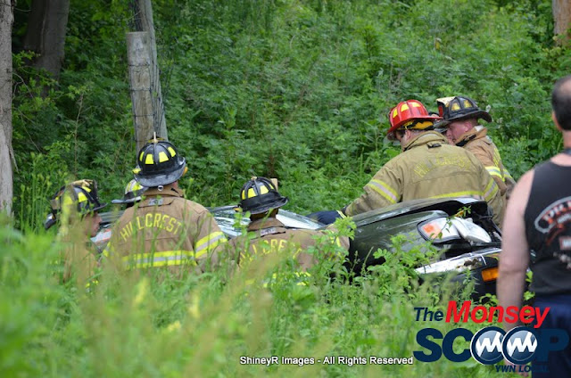 MVA With Entrapment On S. Mountain Rd - DSC_0025.JPG