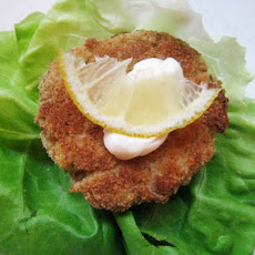 Sunday Brunch: Crab Cakes with Lemon Mayonniase