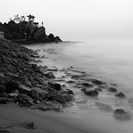 Batu Bolong Temple by Angga Bagoes - Novices Only Landscapes ( temple, bw, lombok, beach, landscape )