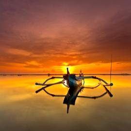 Mid Center by Choky Ochtavian Watulingas - Landscapes Waterscapes ( clouds, shore, seascape, sunrise, sun, skies )
