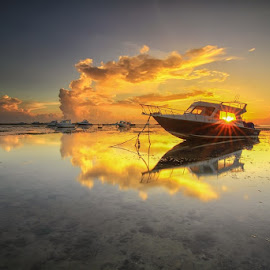 Sunstar by I Made  Sukarnawan - Landscapes Sunsets & Sunrises ( sunset, sunrays, land, sunrise, landscapes, landscape )