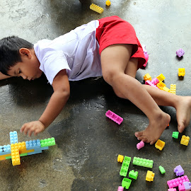 Same old stuff by Leong Jeam Wong - Babies & Children Children Candids ( child, school, toys, play school, kindergarten, education, boy, laze )