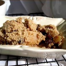 Warm Apple Raisin Crisp With Crumb Topping