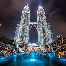 Petronas Twin Tower by Nikon Guy - Buildings & Architecture Other Exteriors ( klcc, skyscraper, petronas, twin tower, kuala lumpur,  )