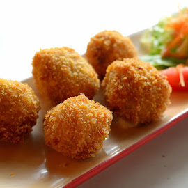 Cheese Croquet  by Rudyanto A. Wibisono - Food & Drink Plated Food ( croquet )