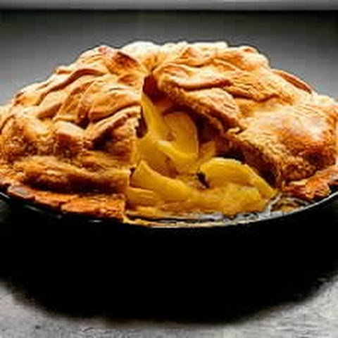 Traditional Apple Pie with a Cheddar Crust