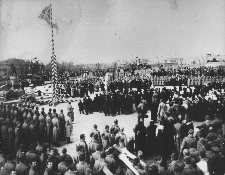 Очаков. Памятник Суворову на Екатерининской площади