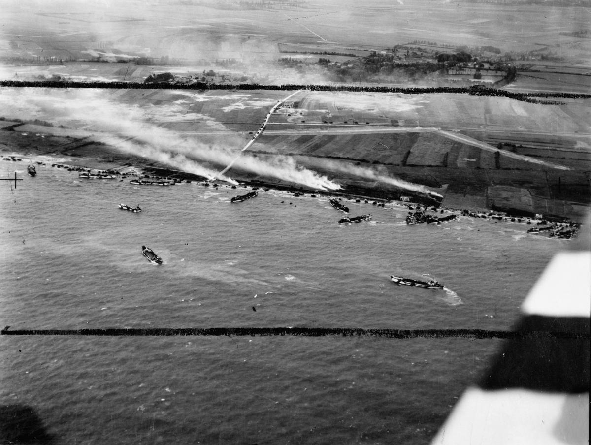 The approach to Gold Beach
