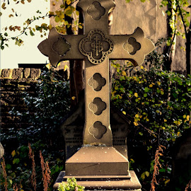 Grave stone by Nic Scott - Buildings & Architecture Statues & Monuments ( grave, gravestone, graveyard,  )