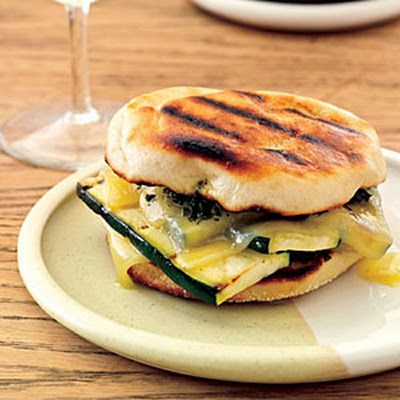 Grilled Gruyère-and-Zucchini Sandwiches with Smoky Pesto