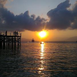 Sun rises from Bali by Zulkifli Khair - Landscapes Travel ( banyuwangi, bali, sunrises, god's creation, sun )