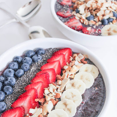 Vegan Berry Crunch Smoothie Bowl