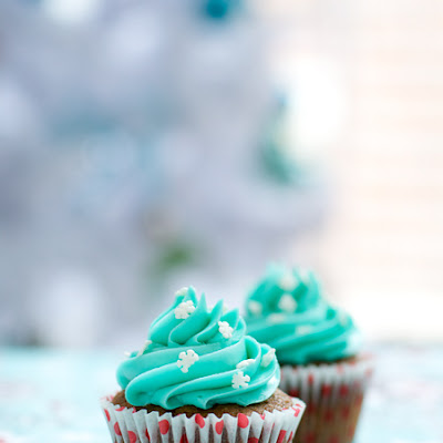Gingerbread Stout Cupcakes with White Chocolate Buttercream