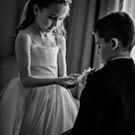 by Darrin James - Wedding Getting Ready ( grass, flowergirls, jeff, beck, annangrove )