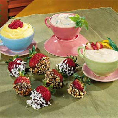 Strawberries with Mint Yogurt Dip