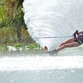 by Terry Barker - Sports & Fitness Watersports (  )