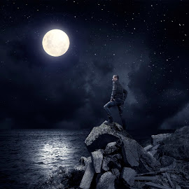Night Time Brother - Wallpaper by Nikolaj Hansen - Landscapes Weather ( water, moon, stars, majestic, night, shine, highlight, rocks, people, shadows, post apocalyptic )