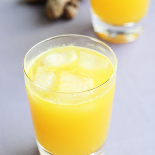 Fresh Apple and Turmeric Juice