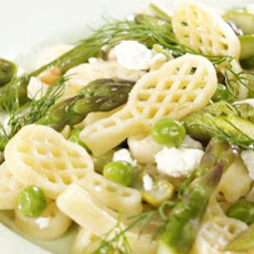 Creamy Racchette Pasta with Asparagus and Peas