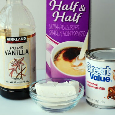 Extra Creamy Homemade Vanilla Ice Cream – with just 4 ingredients