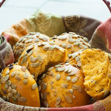 Pumpkin Rolls with Pumpkin Seeds