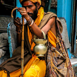 Chai time by Alex Jaime - People Portraits of Men ( india, sadhu, masala )