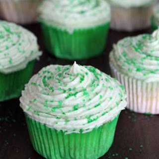 "Easy Sprite Zero Cupcakes"",""tablet"":""Going Green: Easy Sprite Zero Cupcakes"",""mobile"":""Sprite Zero Cupcakes for St. Patrick's Day""}' class=""""> Going Green: Easy Sprite Zero Cupcakes"