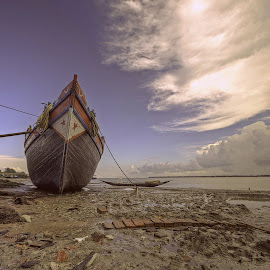 THE BOAT by NEELANJAN BASU - Transportation Boats ( life, sky, waterscape, sea, landscape, boat, river, wonderful,  )