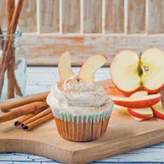 Gluten Free Cinnamon Apple Cupcakes