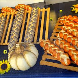 Buns and braids by Tihomir Beller - Food & Drink Cooking & Baking ( brad, buns, food, pomkin, braids )
