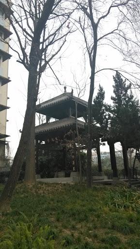 锦江边的亭子