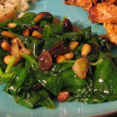 Spinach With Raisins and Pine Nuts (Espinacs a La Catalana)