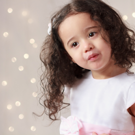 little princess by Ricardo Marques - Babies & Children Child Portraits ( girl, pricess, baby, light )