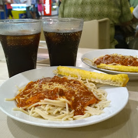 Pizza & Coke by Renato Cayamdas - Food & Drink Plated Food ( dinner, spaghetti, beverage, coke, pizza, soda, drinks, greenwich )