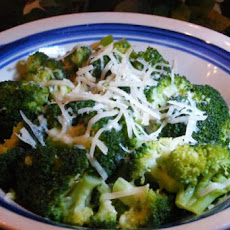 Steamed Broccoli With Olive Oil and Parmesan