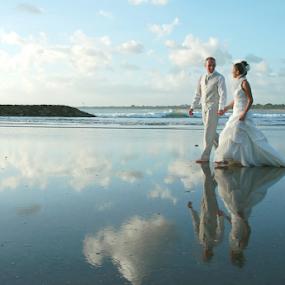 In the Beach by Amin Basyir Supatra - Wedding Bride & Groom ( love, bali, walking, prewedding, wedding, cloud, sea, beach, golden hour, sunset, sunrise,  )