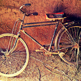 The Lone Traveller by Hassan Nasir - Novices Only Objects & Still Life ( pakistan, islamabad, lone, bicycle, aged )