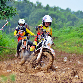 Women crosser by Sigit Purnomo - Sports & Fitness Motorsports