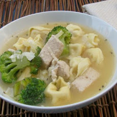 Chicken and Broccoli Tortellini Soup