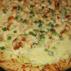 Cheesy Chicken and Artichoke Pizza