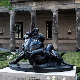 Hercules by Brian Biggs - Buildings & Architecture Statues & Monuments ( lion, hercules, max klein, germany, berlin )