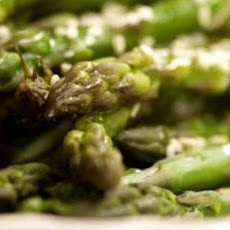 Steamed Asparagus with Ginger Garlic Sauce