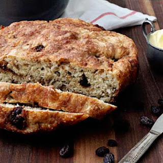 One Pot Cinnamon Raisin Bread
