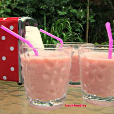 Creamy Strawberry & Banana Smoothie