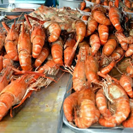 Deep fried huge prawns sold at a street stall in Thailand. by Belinda Chew - Food & Drink Cooking & Baking ( Food & Beverage, meal, Eat & Drink )