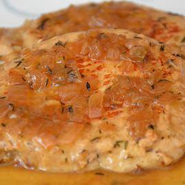 Tasty meat by Demetris Aipavlitis - Food & Drink Meats & Cheeses ( tasty, food, pork, meat, sauce )