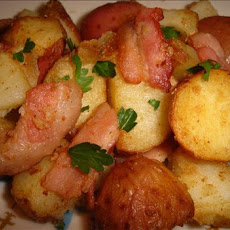 Crispy Potatoes With Bacon, Garlic and Parsley