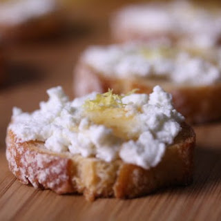 Sweet-Sexy-Zesty Crostini
